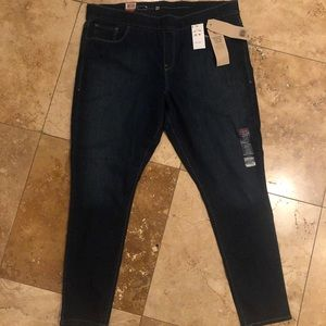 Levi's Perfectly Shaping Legging 22W